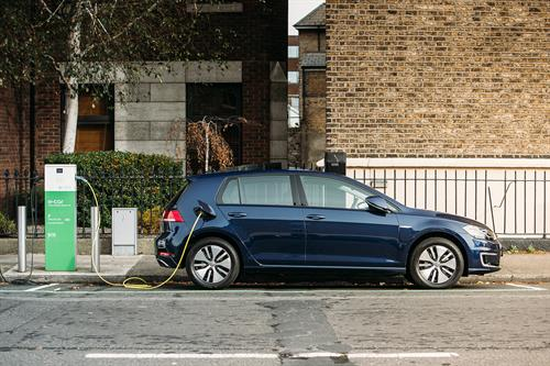 VW expands EV dealer network