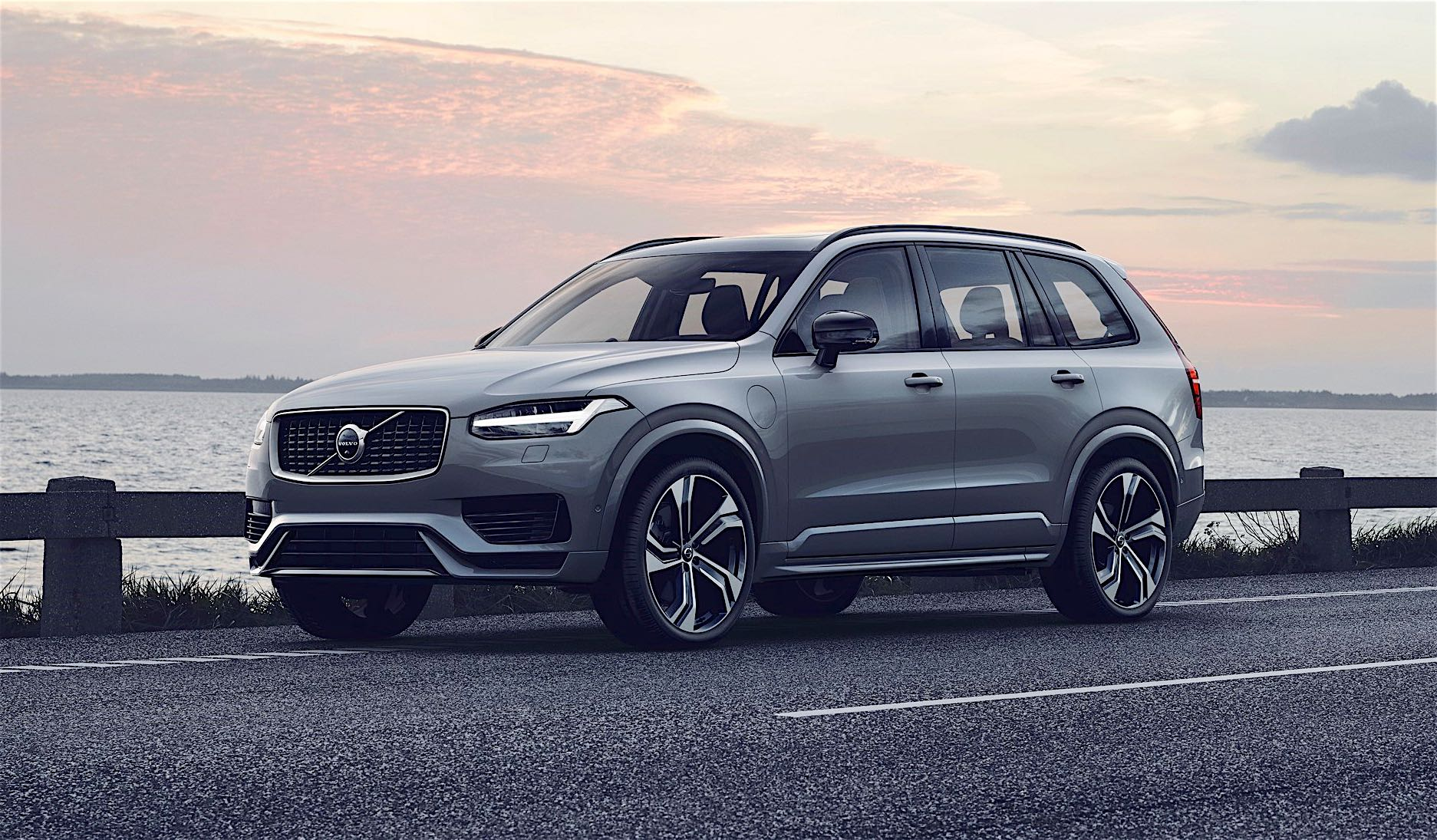 Volvo's refreshed XC90 SUV on the way this summer