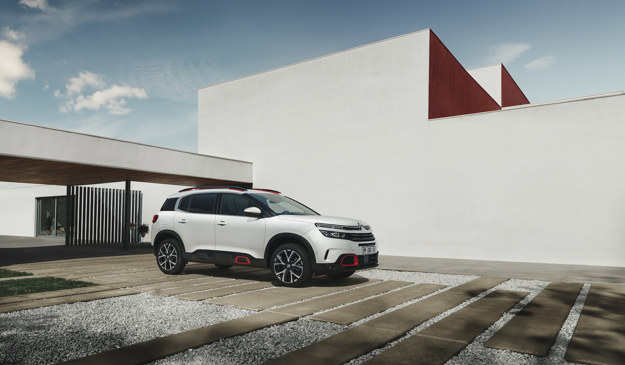 New C5 Aircross lands in Ireland