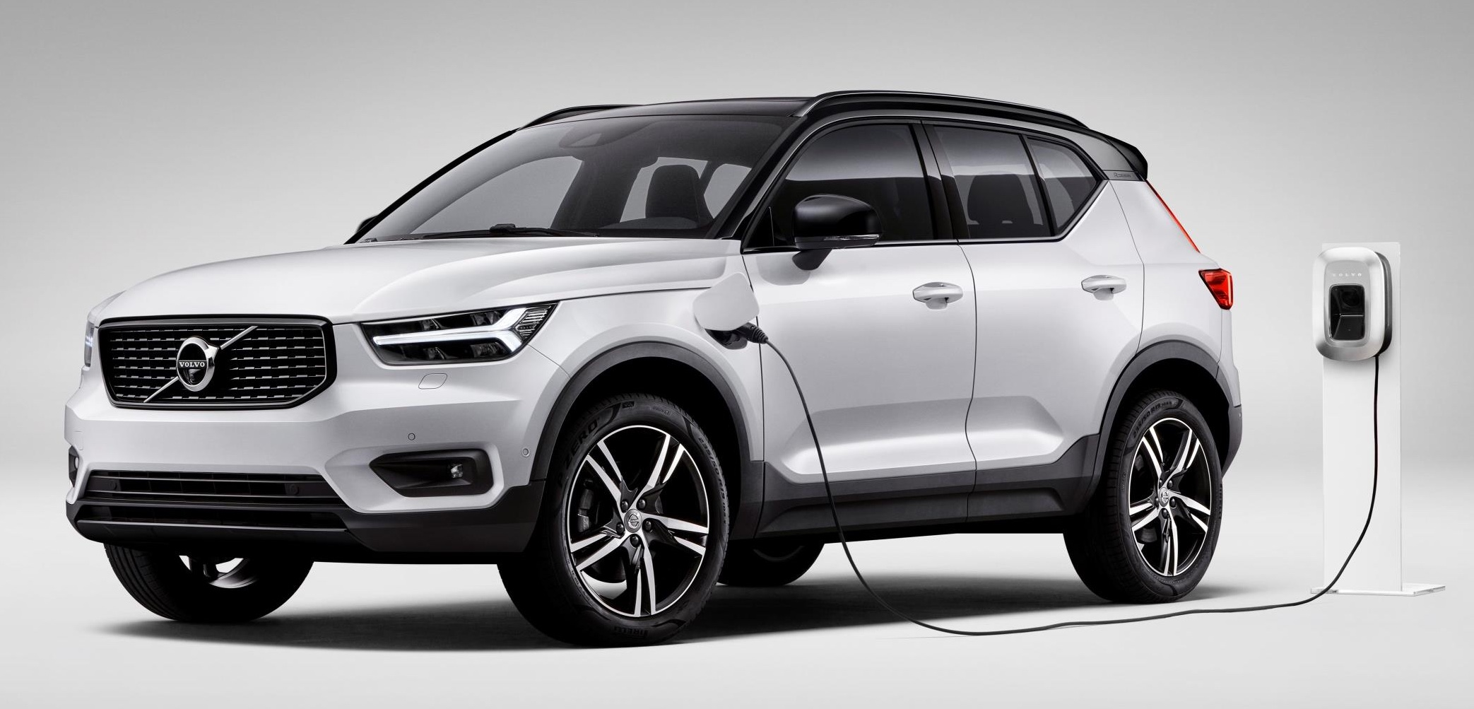 Volvo Car to be first with plug-in hybrids in full range