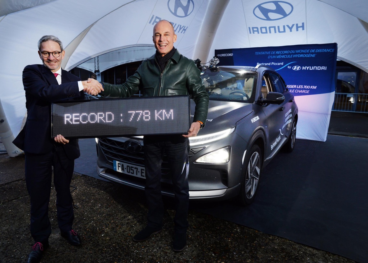 World distance record set for a hydrogen-powered vehicle