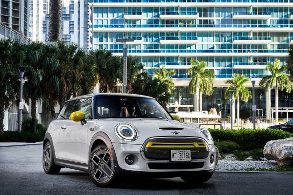 The new MINI is Electric