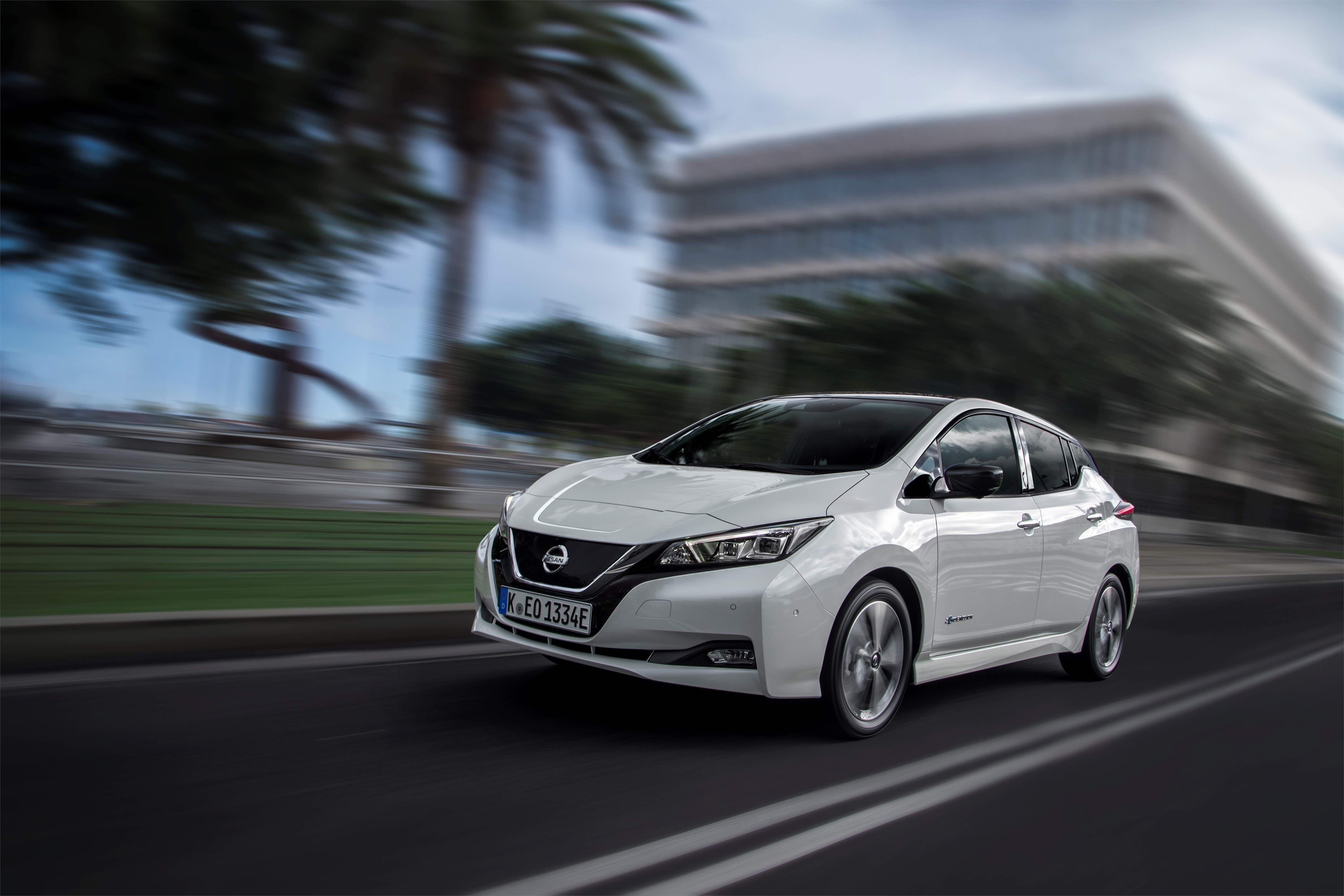 Nissan Leaf prices drop by over €1.8k