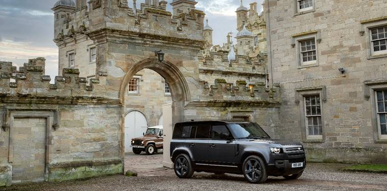 Potent new Land Rover Defender V8 joins the range